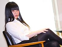 黒髪でパンストが超絶セクシーな美女ニューハーフ